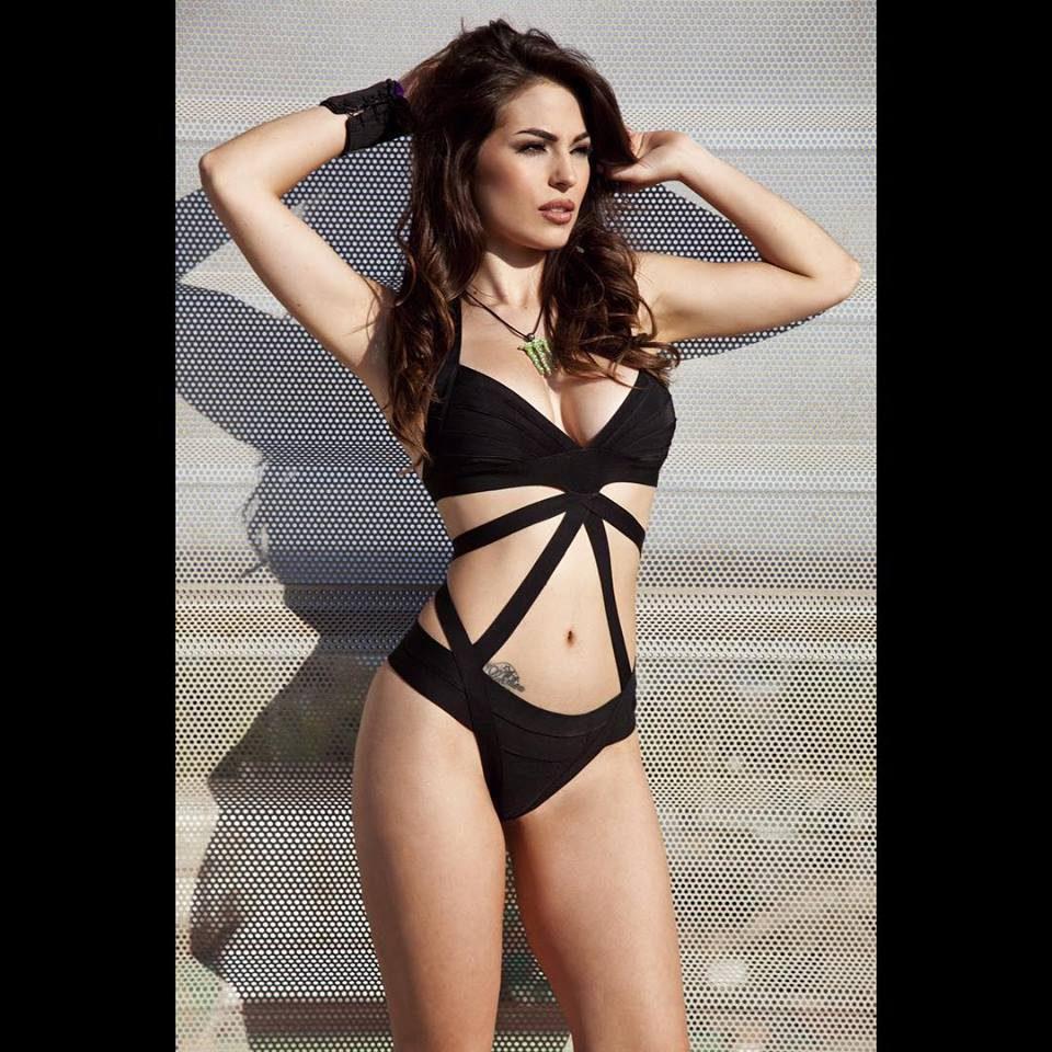 Monster Girl Carmen Muñoz - bikini