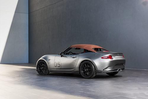 Prototipos Mazda SEMA 2015 - spyder back