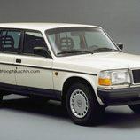 Volvo 240 SUV - front