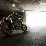 Gama Triumph Speed Triple 2016 - side