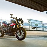 Gama Triumph Speed Triple 2016 - Triple R