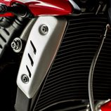 Gama Triumph Speed Triple 2016 - detalle