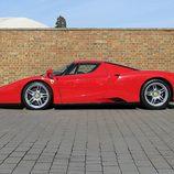 Ferrari Enzo - Lateral