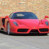 Ferrari Enzo - Frontal 2
