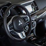 Mitsubishi Lancer Evo Final Edition 0001 - puesto de mando