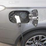 Expoelectric 2015 - Mitsubishi Outlander Phev cargándose