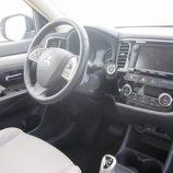 Expoelectric 2015 - Mitsubishi Outlander Phev cuadro de mandos