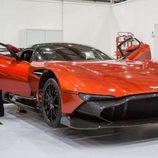 Aston Martin Vulcan - delantera