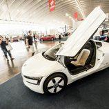Volkswagen XL1 2013 - doors