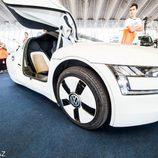 Volkswagen XL1 2013 - frontal