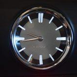 Lexus RX 450H - Reloj analógico