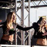 2 Monster Girls en el escenario del Monza Rally Show animando