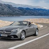 Mercedes SLC agua