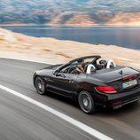 Mercedes SLC 3/4 trasera carretera negro