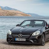 Mercedes SLC negro 3/4 delantera
