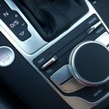 Audi A3 Sedán - consola