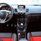 Ford Fiesta ST - salpicadero