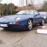 Porsche 928 GTS 1992-1995 - aparcado lateral