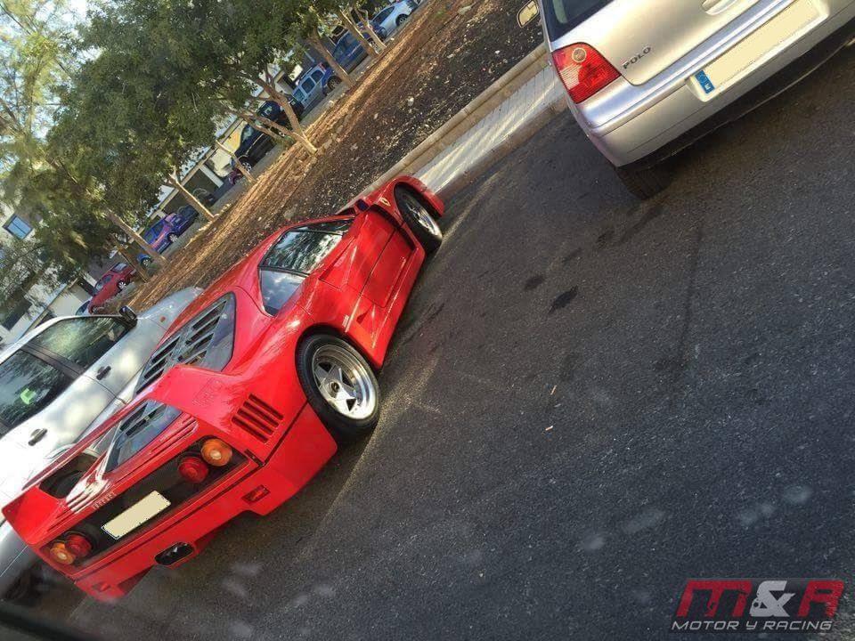 Ferrari F40 - vista trasera