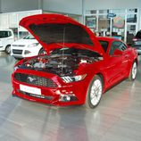 Ford Mustang 2.3 EcoBoost 2015 - capó abierto