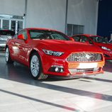 Ford Mustang 2.3 EcoBoost 2015 - parrilla