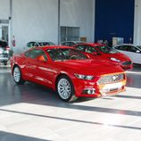Ford Mustang 2.3 EcoBoost 2015 - vista frontal