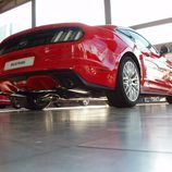 Ford Mustang 2.3 EcoBoost 2015 - vista abajo