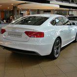 Audi A5 Sportback: Vista trasera desde el lado derecho