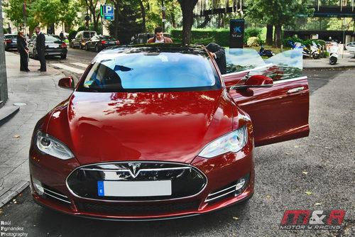 Tesla Model S: Invitándonos a conocerlo