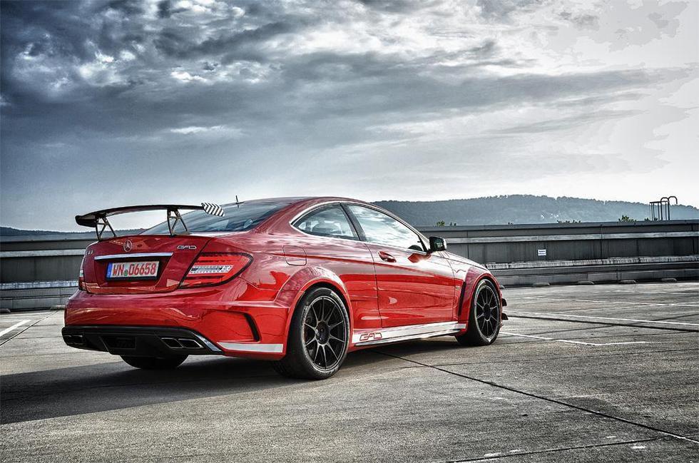 Este Mercedes AMG C63 Black Series es tracción total