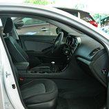 Kia Optima: Detalle interior lado pasajero