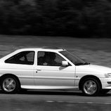 Ford Escort XR3I:Lateral