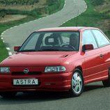 Opel Astra GSI: Su potencia al descubierto