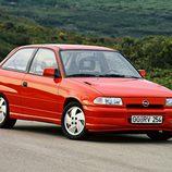 Opel Astra GSI: Dos motorizaciones posibles