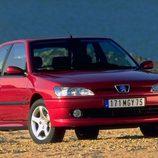 Peugeot 306 XSI: Frontal