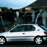 Peugeot 306 XSI: Lateral