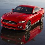 Ford Mustang 2015, estampa agresiva