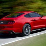 Ford Mustang 2015, exterior, en movimiento