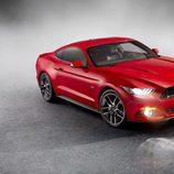 Ford Mustang 2015, estudio, entre la niebla