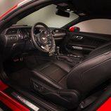 Ford Mustang 2015, puesto de conducción