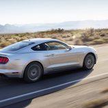 2015 Ford Mustang GT 5.0 V8, tres cuartos trasero