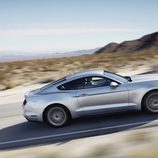 2015 Ford Mustang GT 5.0 V8, lateral