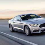 2015 Ford Mustang GT 5.0 V8, tres cuartos delantero
