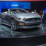 2015 Ford Mustang GT 5.0 V8 cabrio, frontal