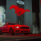 2015 Ford Mustang, salida al escenario