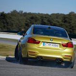 BMW M4: Trasera descolocada
