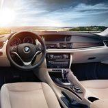 BMW X1 2014, interior versión XDrive 25d salpicadero