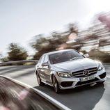 Mercedes-Benz Clase-C 2014, silver, delantero tres cuartos