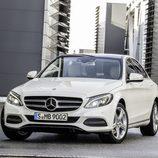 Mercedes-Benz Clase-C 2014, artículo, frontal