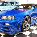 Nissan Skyline GT-R: Vista frontal izquierda